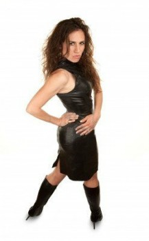 thigns to keep in mind  while buying a Leather Dresses