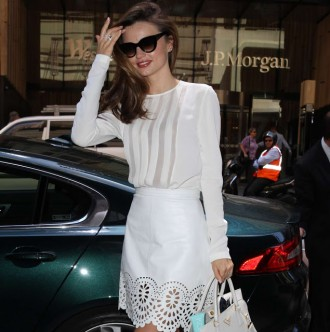 Chic Ways to Wear White Leather Skirts in Summer
